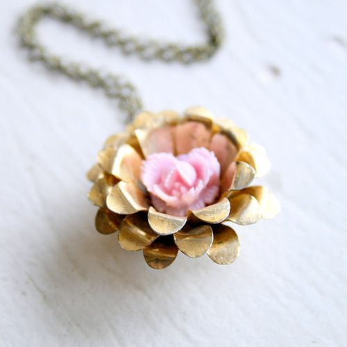 Vintage rose necklace1