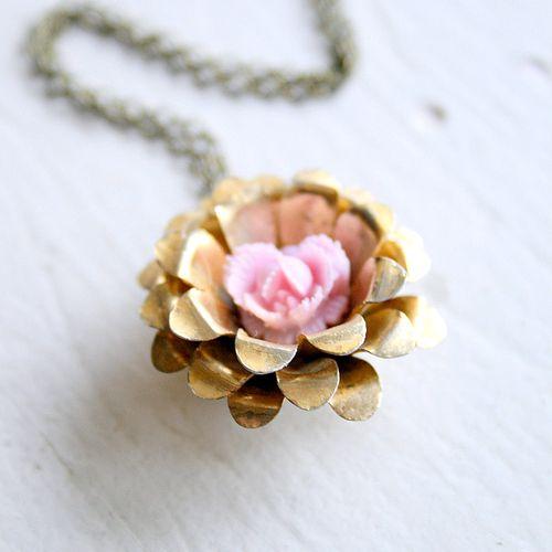 Vintage rose necklace1