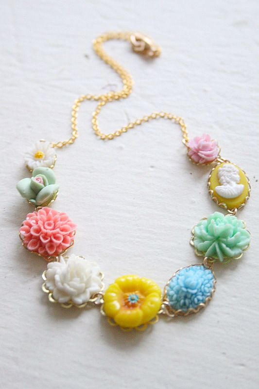 Rosy posy necklace3